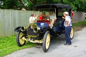 Ken Campbell and Carol Storms own this 1911 E-M-F Demi-Tonneau