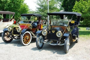 Steve and Darlene Bono's 1912 E-M-F next to Art and Margaret Morra's 1910 E-M-F Roadster