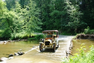 Gil Fitzhugh negotiates the Fishing Creek in his 1909 E-M-F